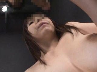 Sexy Asian MILF Anmi Hasegawa Gives Amazing Blowjob