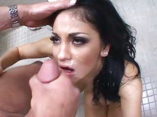 Audrey Bitoni wraps her piss flaps round a hard dick