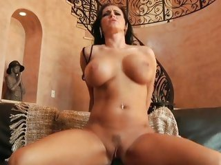 Jenna Presley uses her moist muff to milk a cock