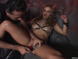 Liliane Tiger loves a rough double penetration