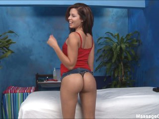 Masseuse Taylor T with adorable ass