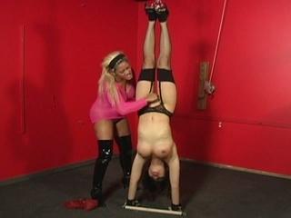 Bondage babe tortured by a naughty slut !
